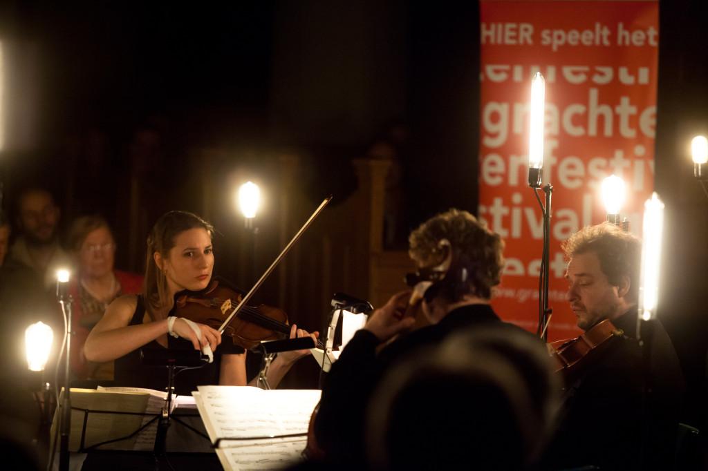Kaarslichtconcert Waalse Kerk-Lichtontwerp Floriaan Ganzevoort-03