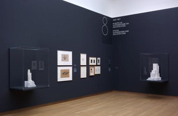 007.STEDELIJK MUSEUM -MALEVICH 2013-PH.GJ.vanROOIJ