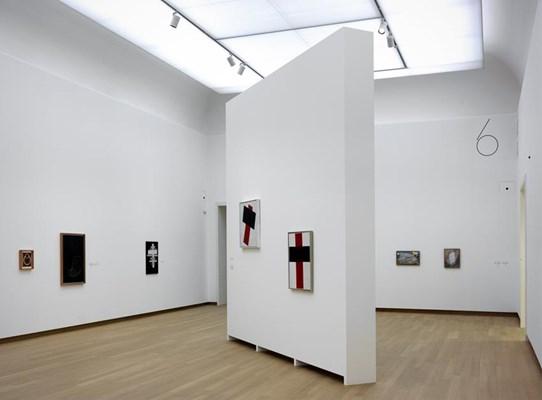 037.STEDELIJK MUSEUM -MALEVICH 2013-PH.GJ.vanROOIJ
