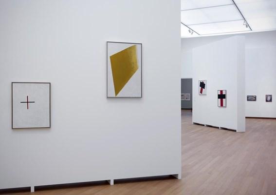 041.STEDELIJK MUSEUM -MALEVICH 2013-PH.GJ.vanROOIJ