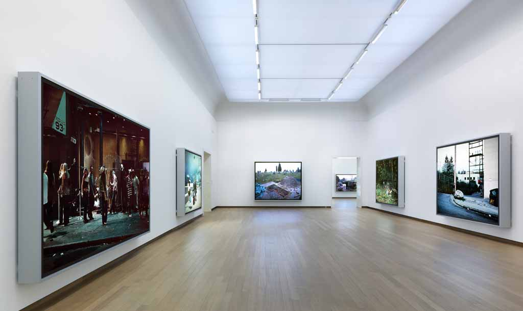 Jeff Wall Stedelijk Museum003