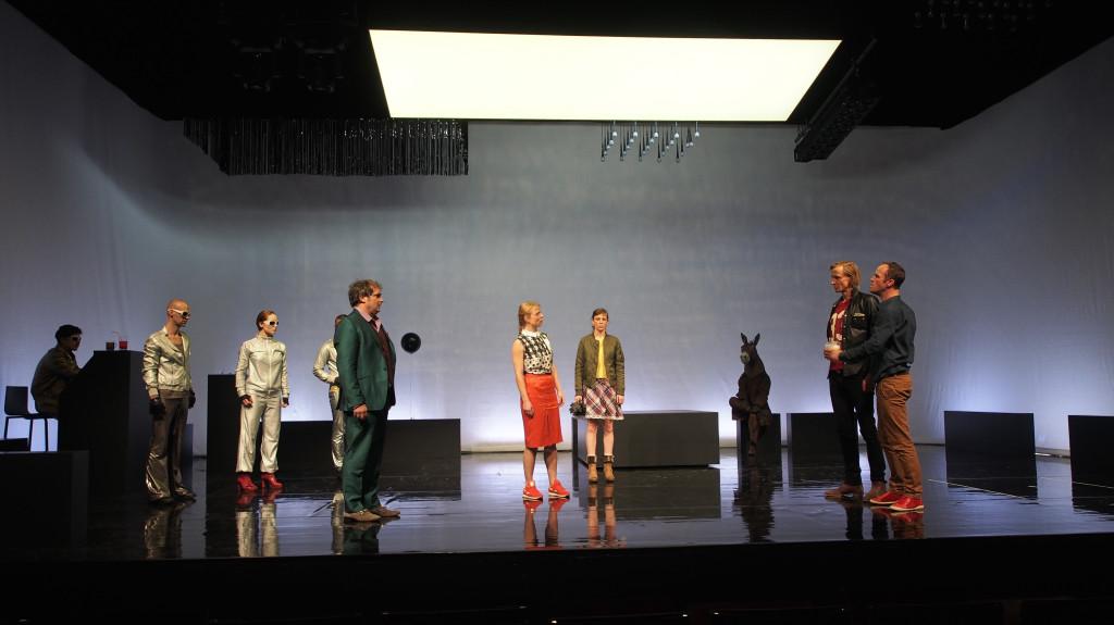Kasimir und Karoline - Theater Basel Ulrike Quade - Scenography Floriaan Ganzevoort - 01