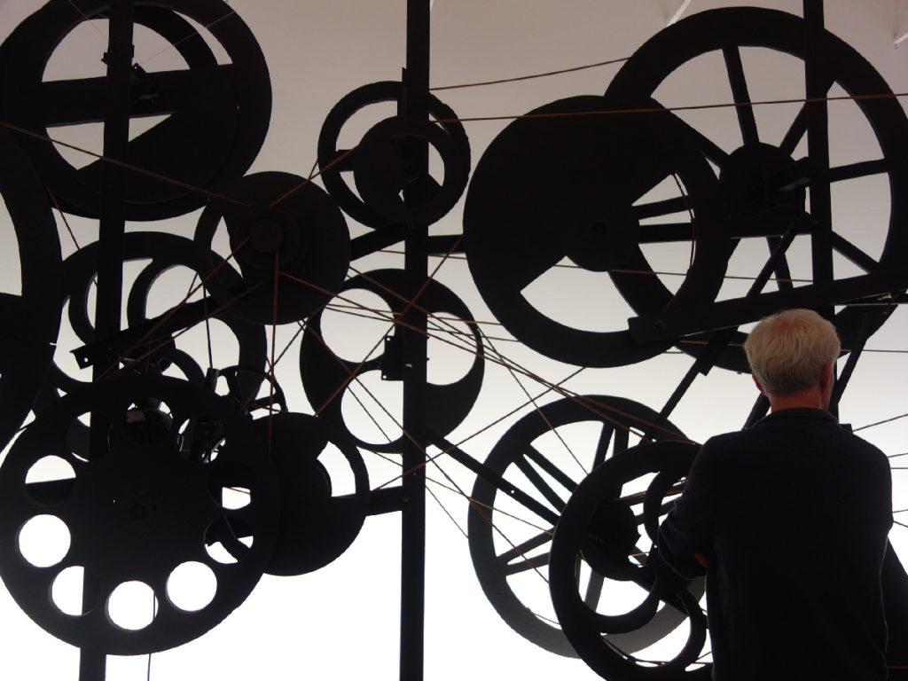 tinguely-stedelijk-museum-zwart-werk