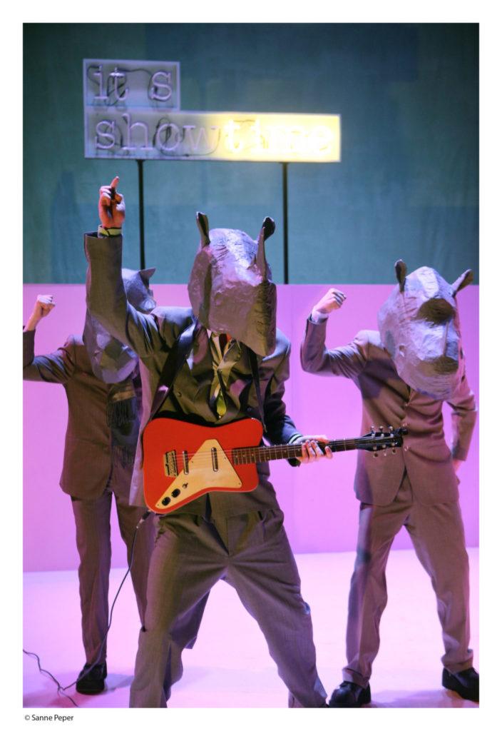 Neushoorn Spektakel 01 © Sanne Peper