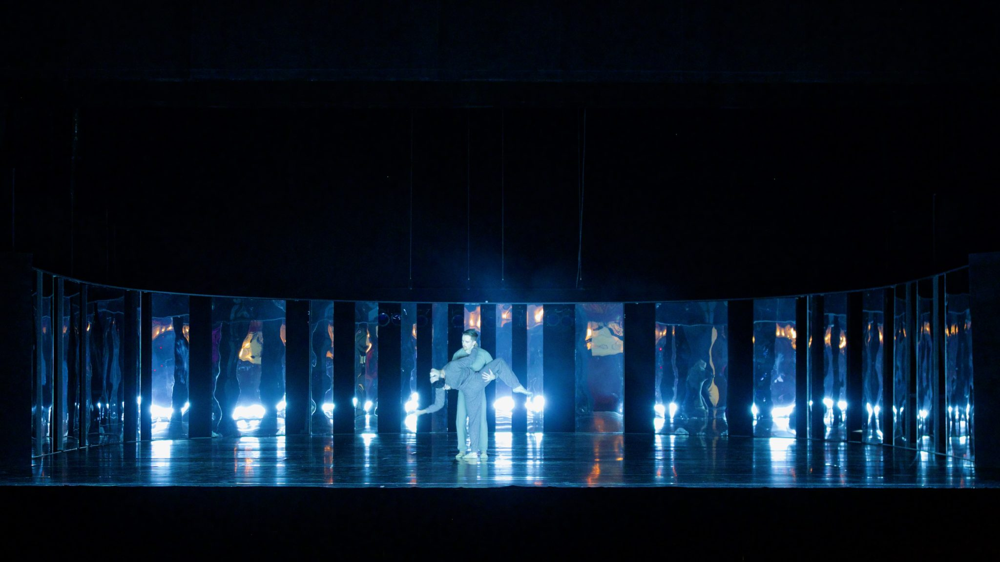 New World - choreography: Robert Binet, set design: Shizuka Hariu, costume: Harriet Jung, Reid Barthelme, light: Floriaan Ganzevoort